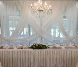 elegant-wedding-backdrop