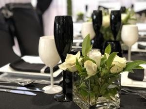 stylish-table-setting